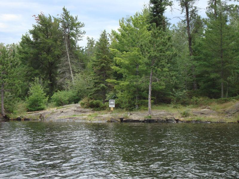 Harbor Island East Houseboat Campsite R34 in Voyageurs National Park